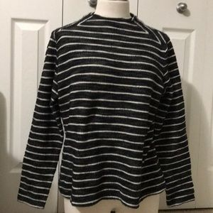 The limited black white stripe sweater xl